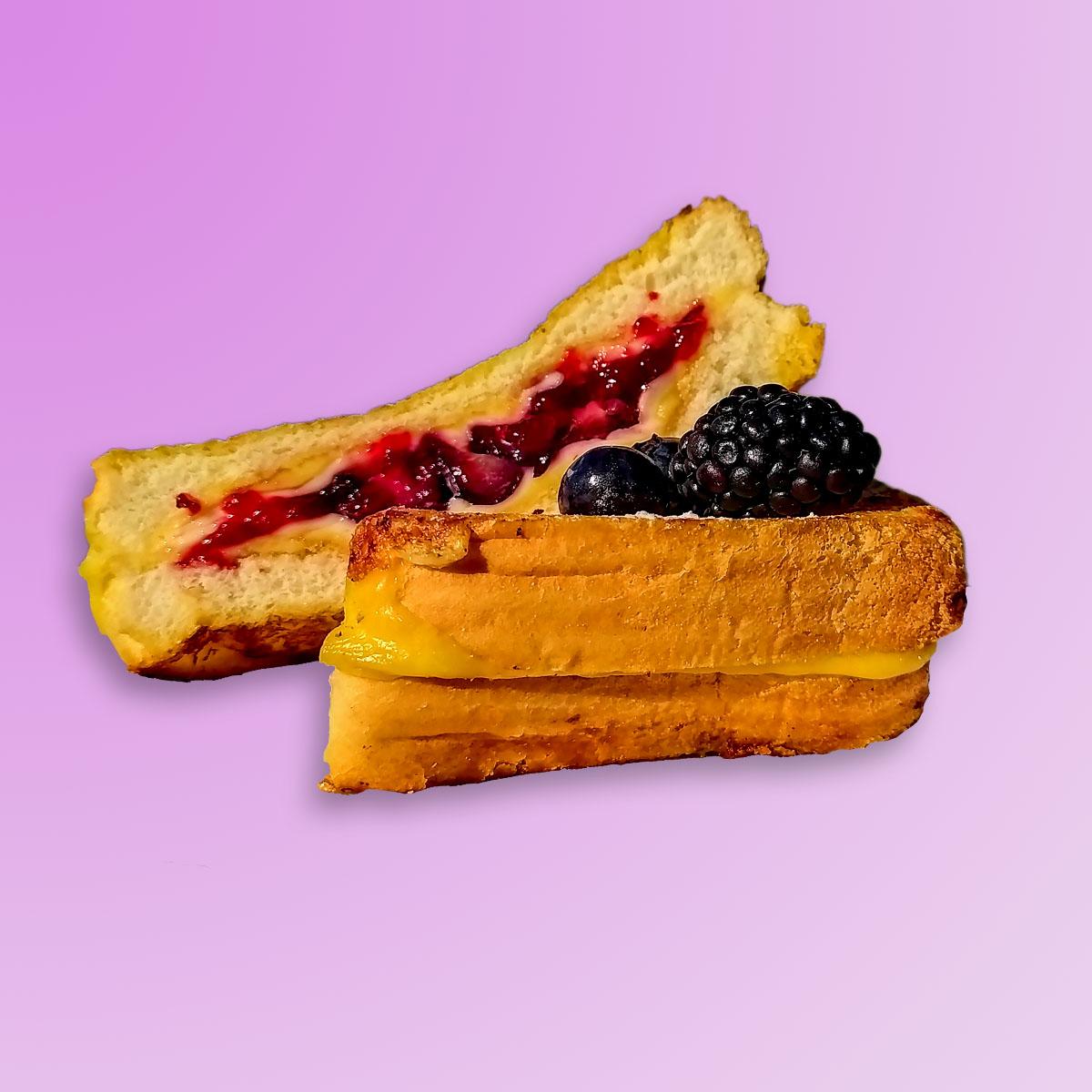 Happyblueberry sandwich